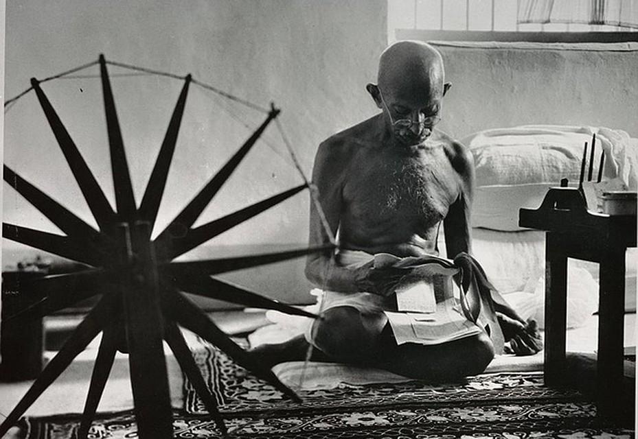 В быту Ганди был аскетичен, как и подобает проповеднику простой жизни