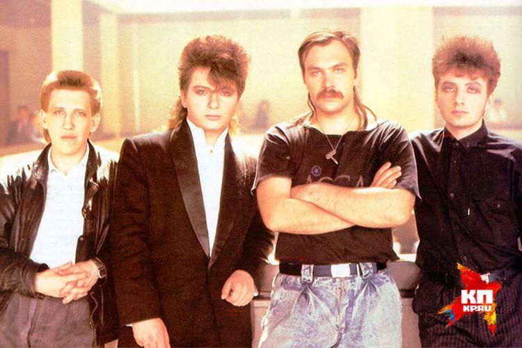 Первый состав группы «Агата Кристи». Глеб Самойлов - крайний справа.