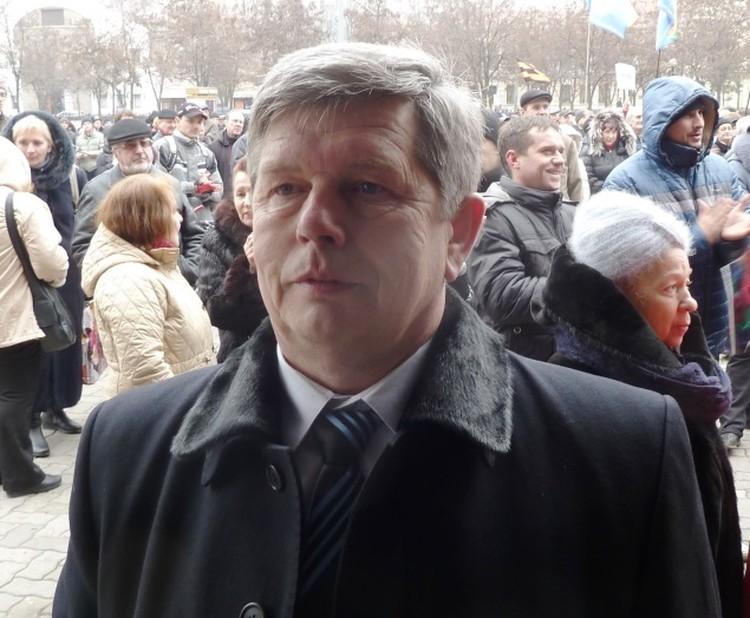 Виктор Петрович полагает что Украина должна федеральной стать