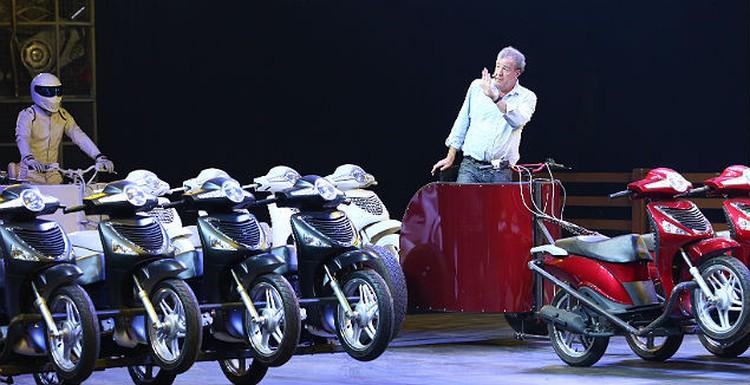 В заезде на мотоколеснице лучшим стал гонщик Стиг.