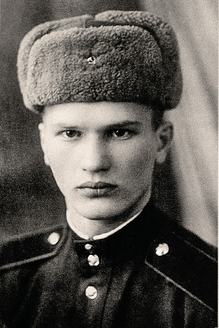 Рядовой Кремлевского полка Геннадий Зайцев, 1953 г. Фото: личный архив.