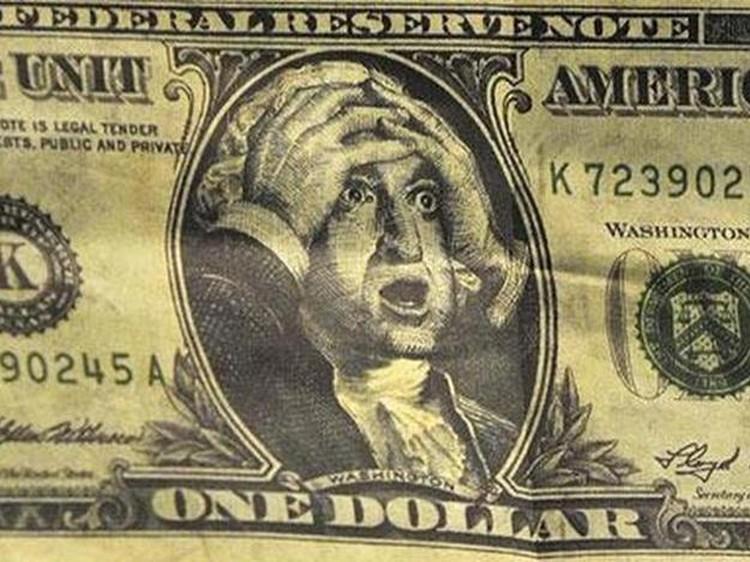 Когда экономика идет ко дну, остается только схватиться за голову.