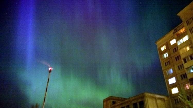 В небе над Тверью давно не было такой красоты. Фото: Мамука Алиханов.