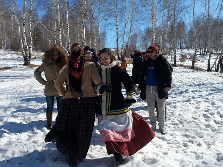 Вот так весело белорусы отметили Гуканье весны в Иркутске.