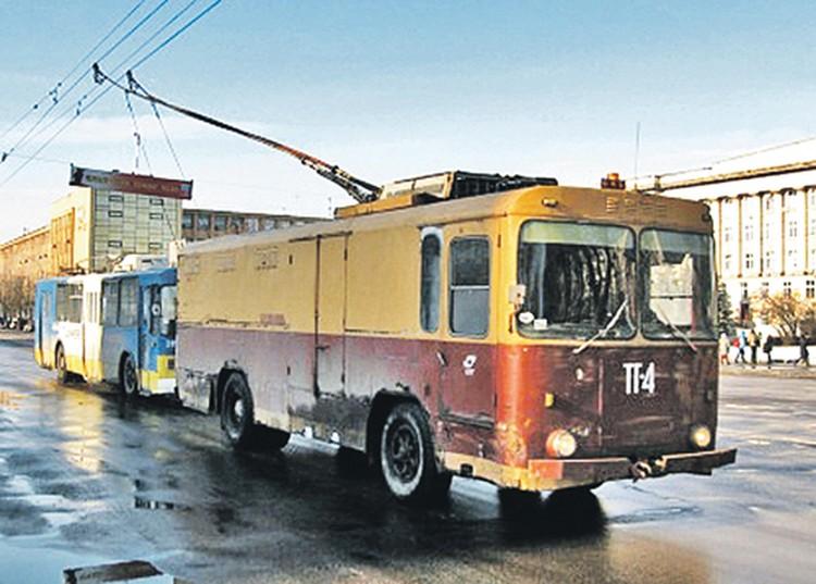 Дизель-троллейвозы бегали  по столице  с 60-х.