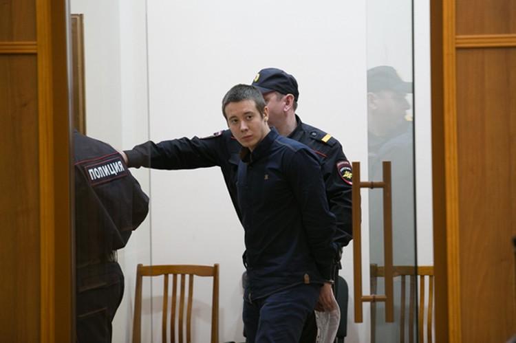 Максим Валишин просит судить его только за укрывательство преступления