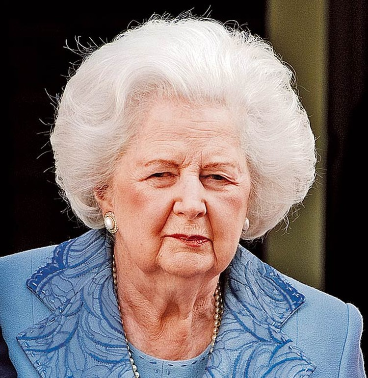 """""""Железная леди"""" скончалась на 88-м году жизни от болезни Альцгеймера. Смотрите фотогалерею: Маргарет Тэтчер: вспоминаем «Железную леди» мировой политики"""