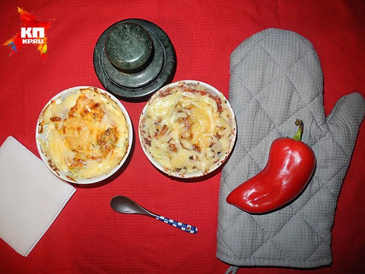 Инволтини, то есть запеканка из кабачков и мяса под сыром и соусом