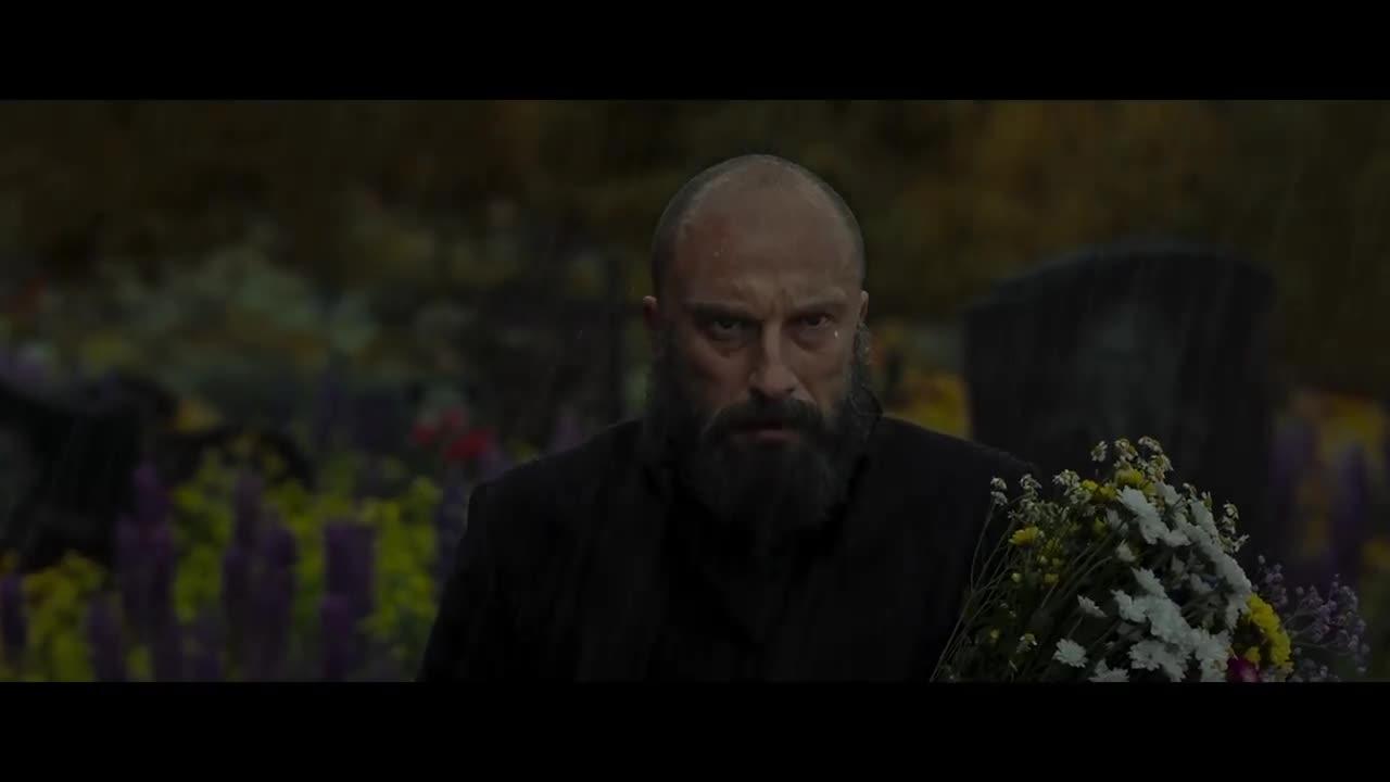Смотреть Обнародованы первые кадры из фильма об Иве Сен-Лоране видео