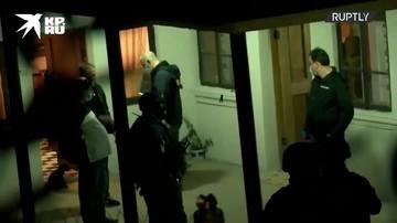 """Cотрудники спецназа провели обыск в доме грабителя отделения """"Банка Грузии"""""""