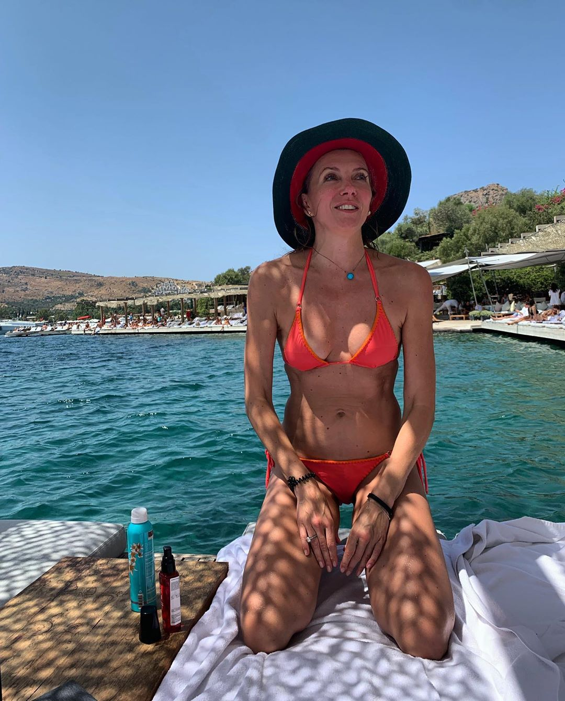 Светлана Бондарчук отдыхает в Турции.