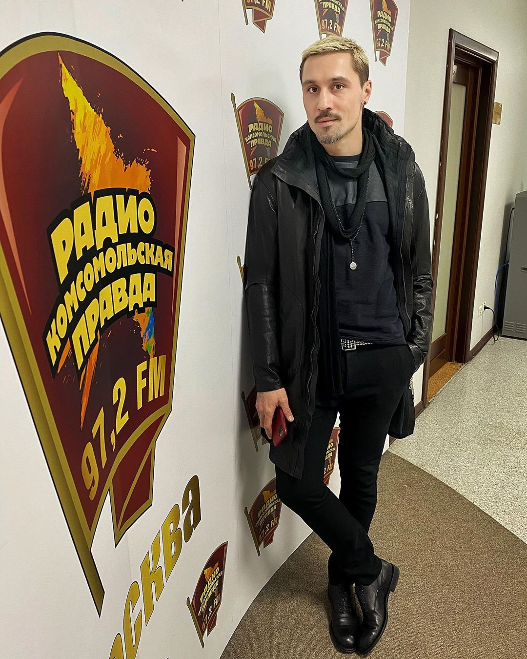 Артист приехал в редакцию КП накануне новогодних праздников