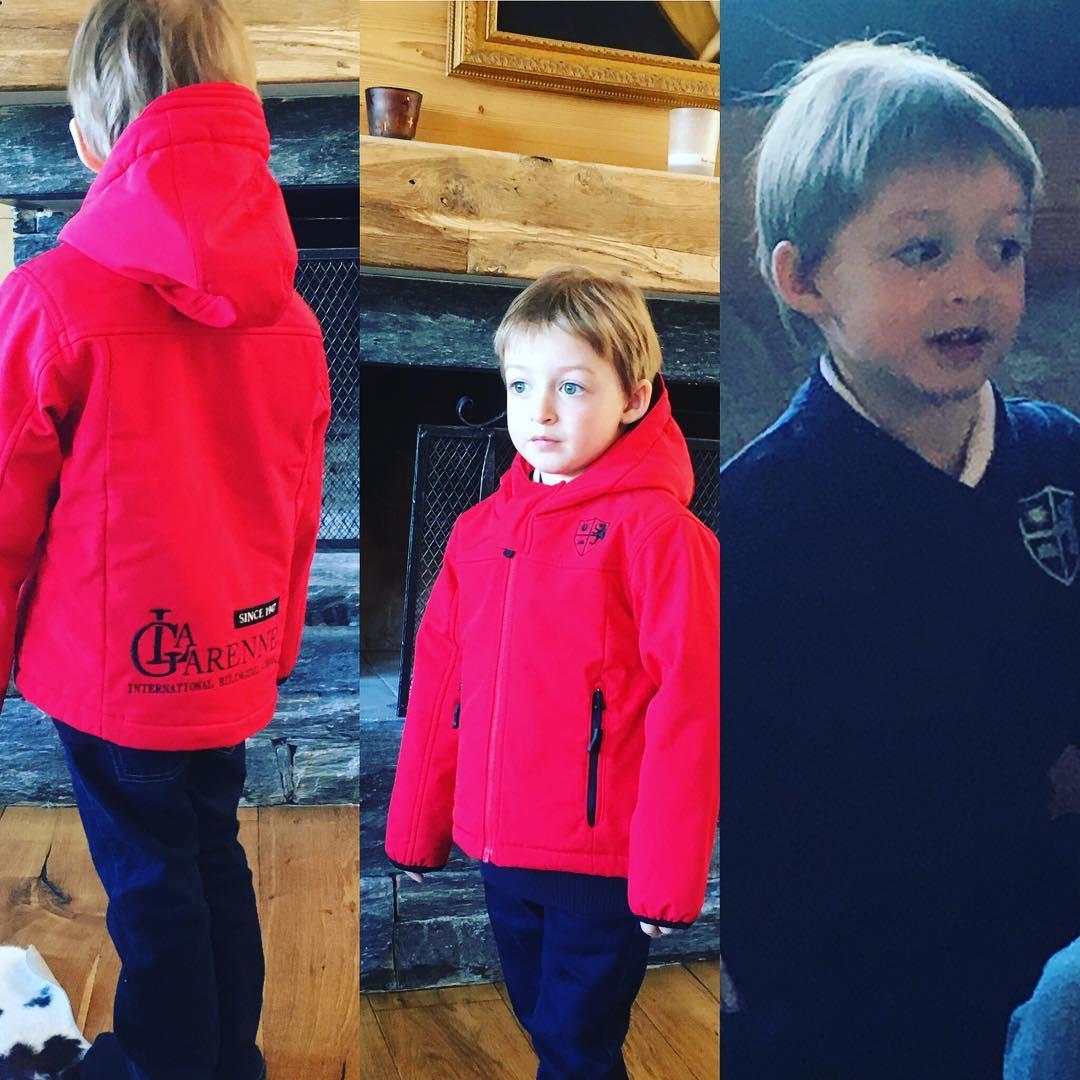 Сын Оксаны Акиньшиной Костя в форме швейцарской частной школы La Garenne