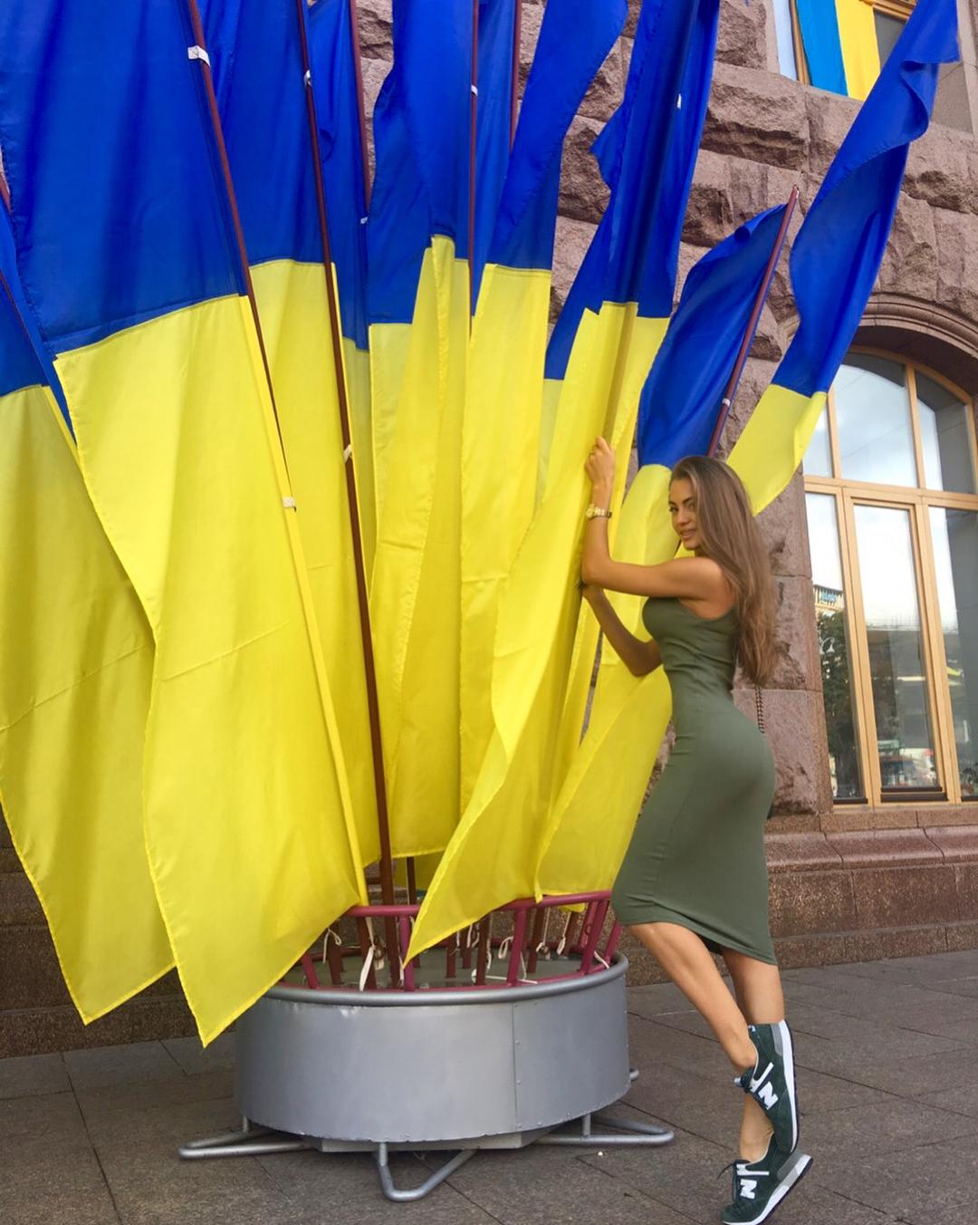 Была очень удивлена, насколько людям не безразлична Судьба Украины!!! Даже будучи не в стране, они идут голосовать