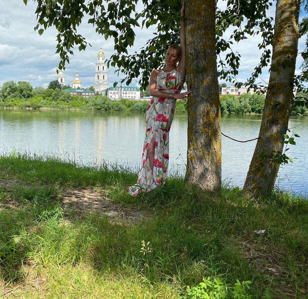 Село Дивеево закрыто для посетителей из-за карантина по коронавирусу, но балерина все равно туда проникла
